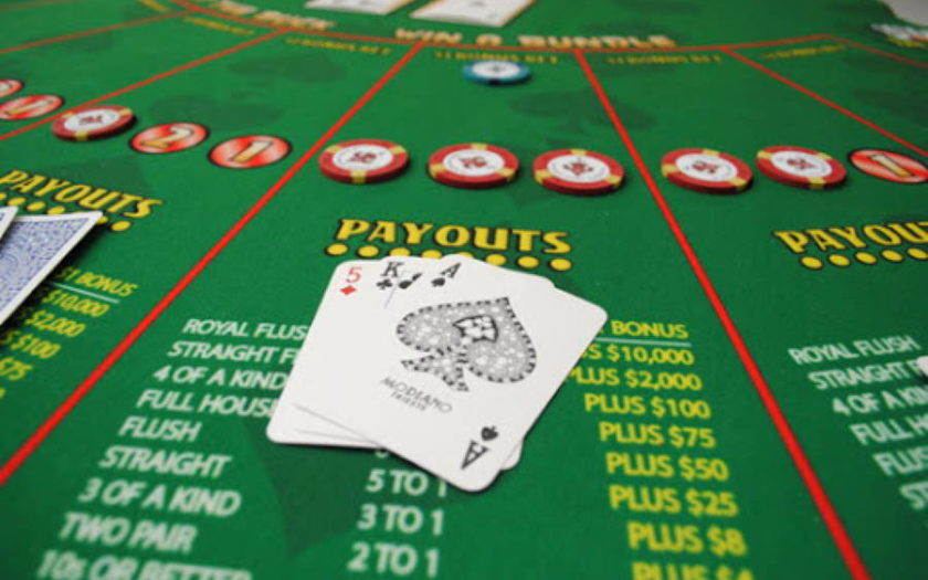 Play Let It Ride Casino Game